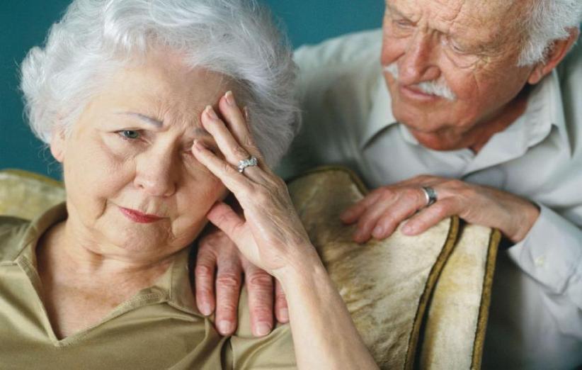 کتابی با 300 نکته درباره مراقبت از بیماران آلزایمری
